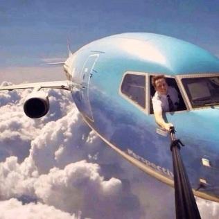 Airplane-Selfie